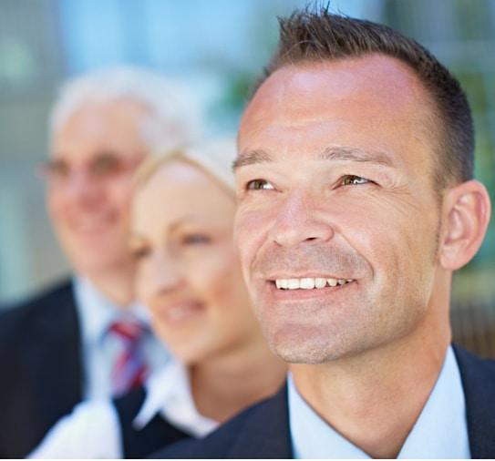Business Marketing Coach Online Unternehmer glücklich
