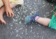 Kind sein dürfen Beobachten Sie mal kleine Kinder, wie die sich freuen, wenn es regnet und wie sie, wie kleine lustige Kobolde herum tollen und die weißen..